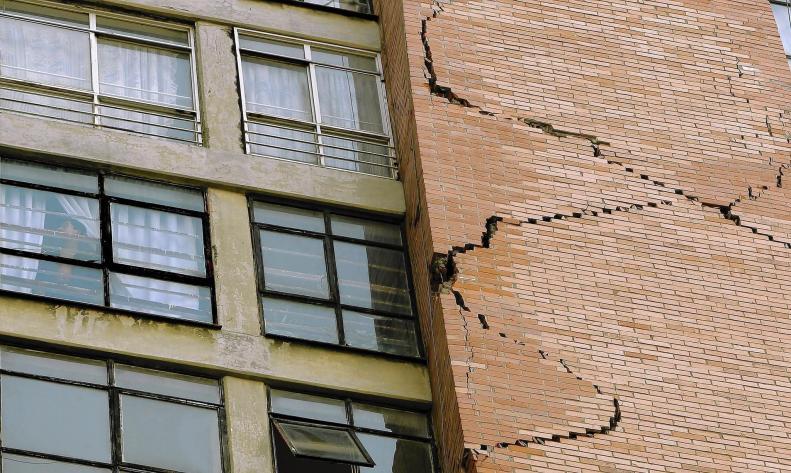 ite-arquitectes-terremoto-fisura-latimes